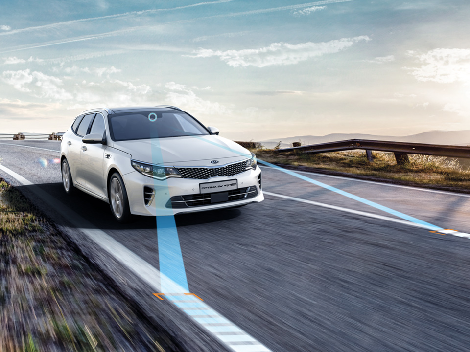 Kia Optima Sportswagon Plug-in Hybrid lane keeping assist system