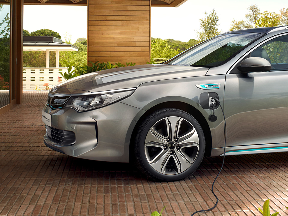 Kia Optima Sportswagon Plug-in Hybrid advanced hybrid technology